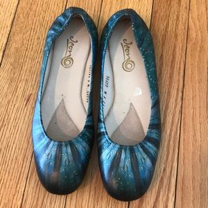 ICON flats size 9